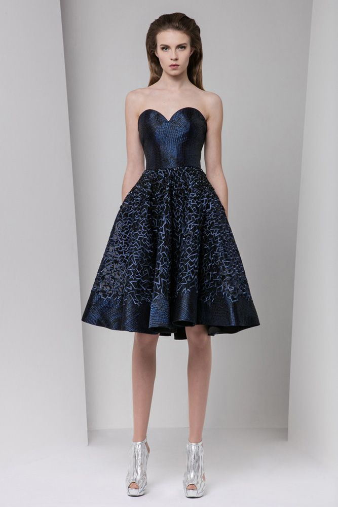 Midnight blue sweetheart Jacquard lamé short dress embellished with a silk embroidery pattern on an A-line gathered skirt.
