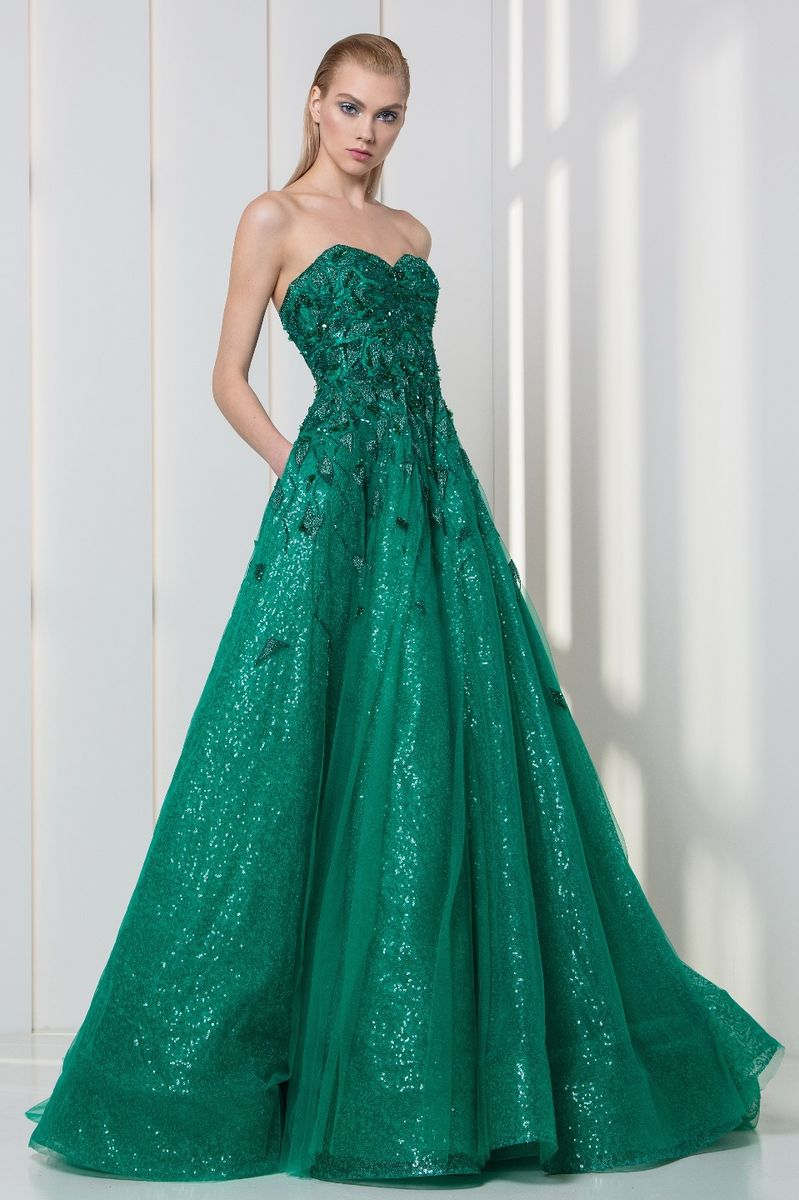 Emerald sweetheart strapless dress in sequined embroidered tulle and lace.