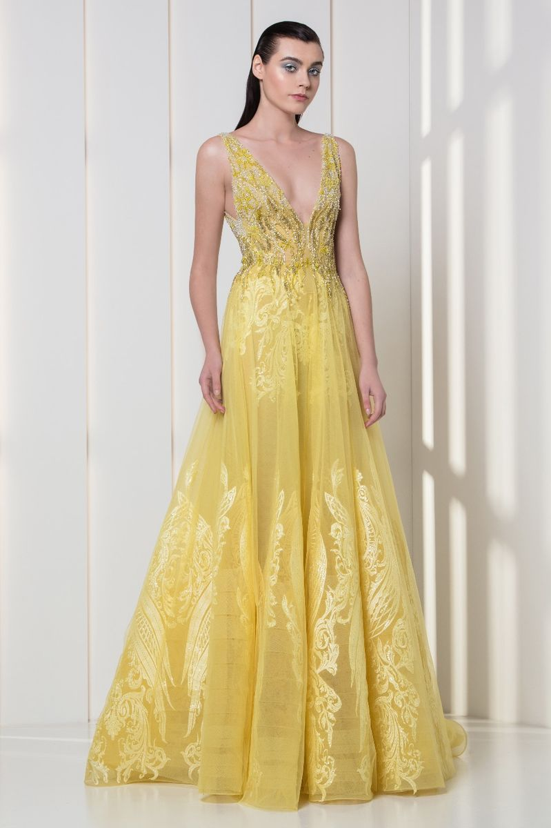 Yellow A-line dress in silk-embroidered tulle, with V-neckline and a sequined bodice.