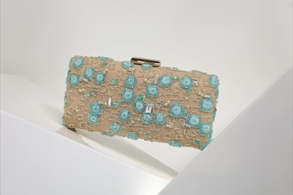 RTW Spring Summer 2018 - Nude Clutch with aqua squared embroideries.